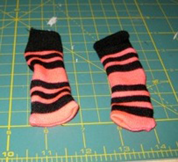 8.completed socks