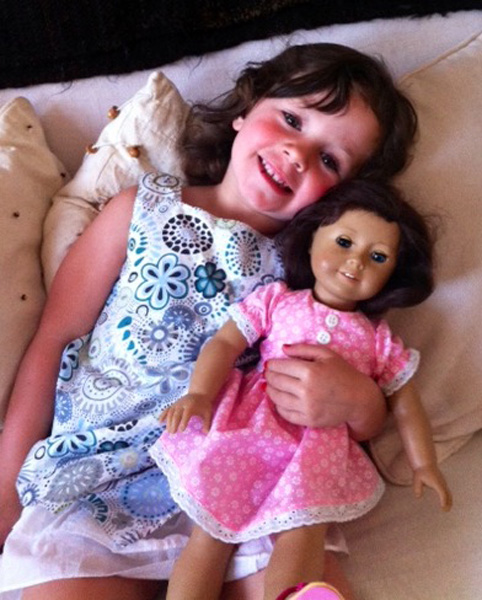 Gabrielita - Pilars granddaughter - and Maria in her new dress