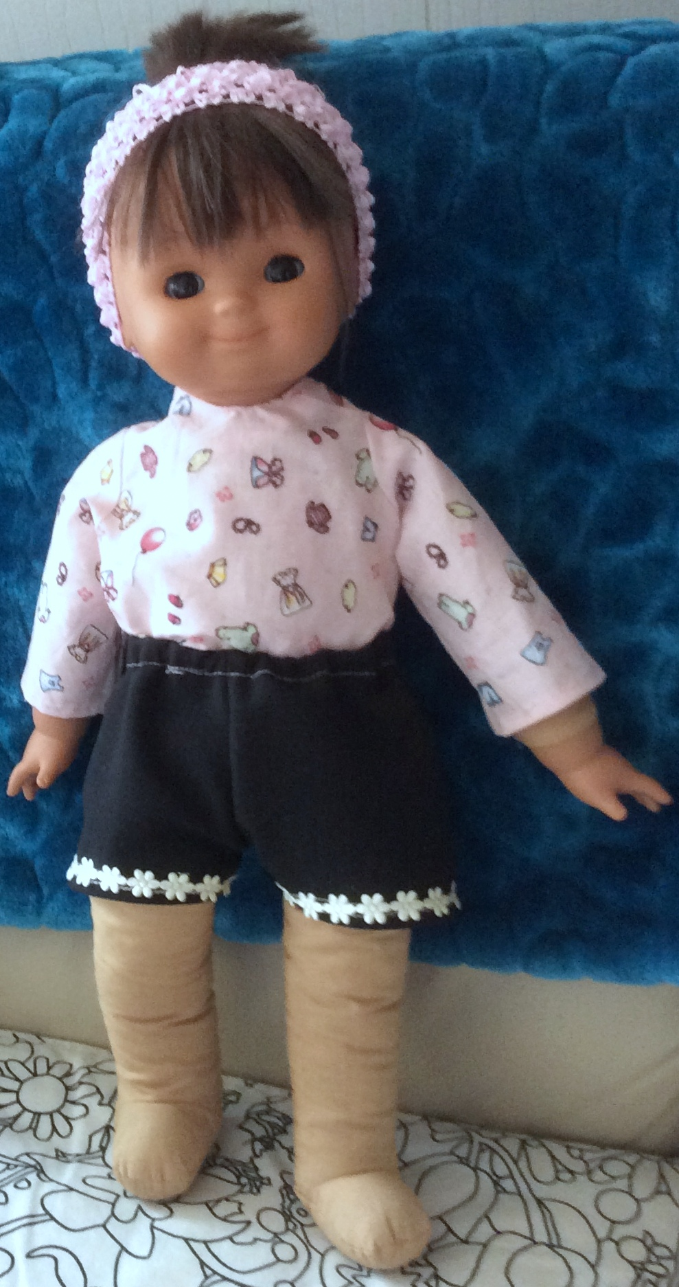 Shorts and long sleeve top frances