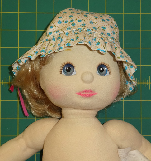 Frill Hat Doll Clothes Pattern