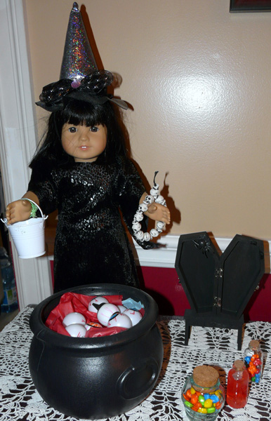 Lachapelle Carole Witch doll clothes pattern